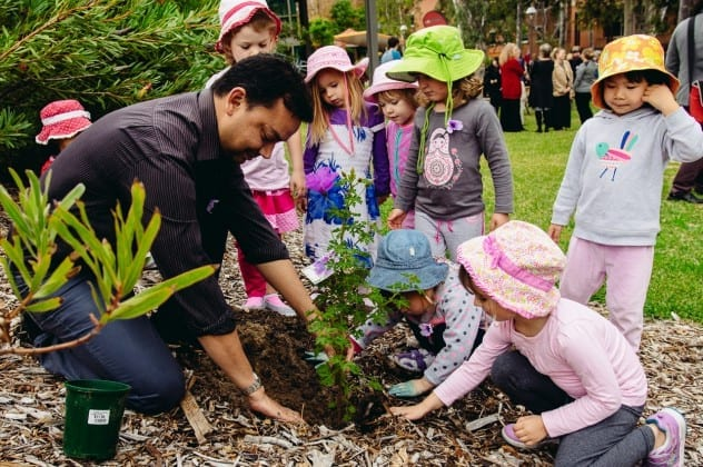 Children tree planting