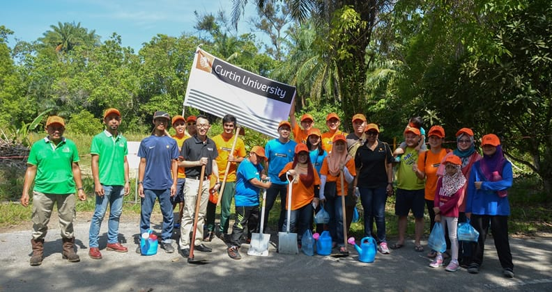 Students from Curtin Sarawak in the rainforest