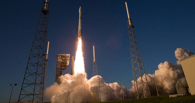 The spacerocket carrying NASA's OSIRIS-REx spacecraft lifts off.