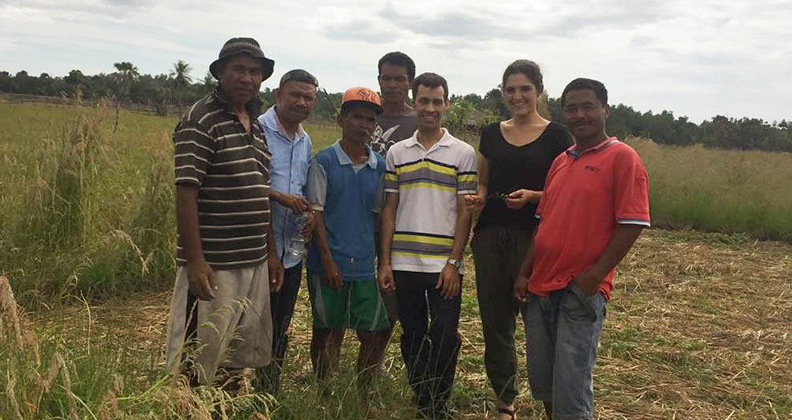 Neugebauer with subsistence farmers and members of the Ministry for Agriculture and Fisheries in Oecusse.