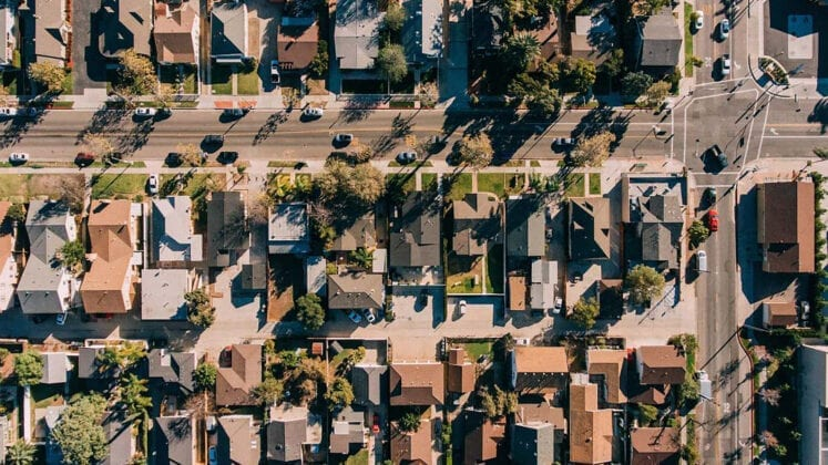 Housing affordability divide grows between owner-occupiers and renters